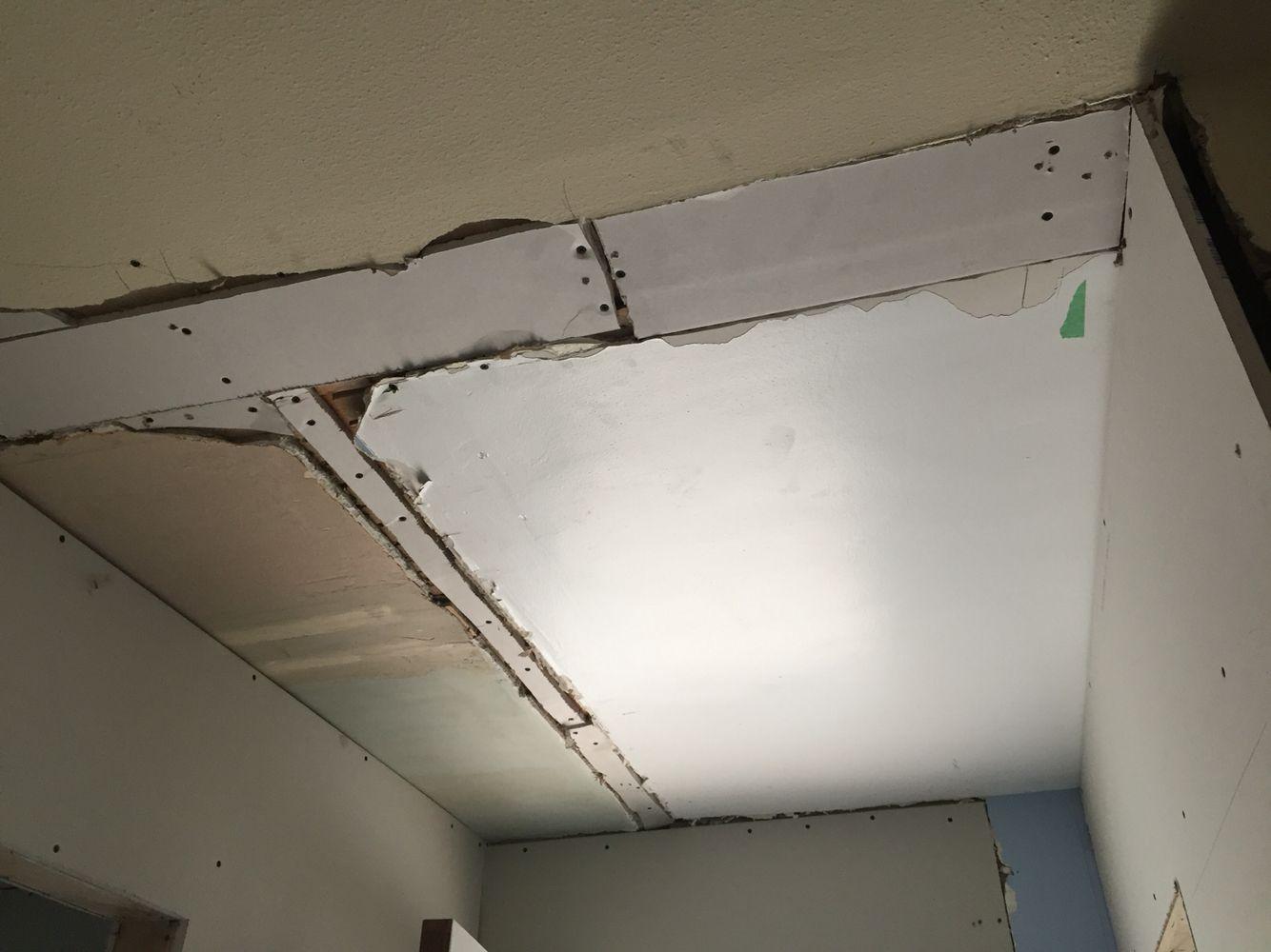 Upstairs hallway ceiling #sheetrock 9/22 77g