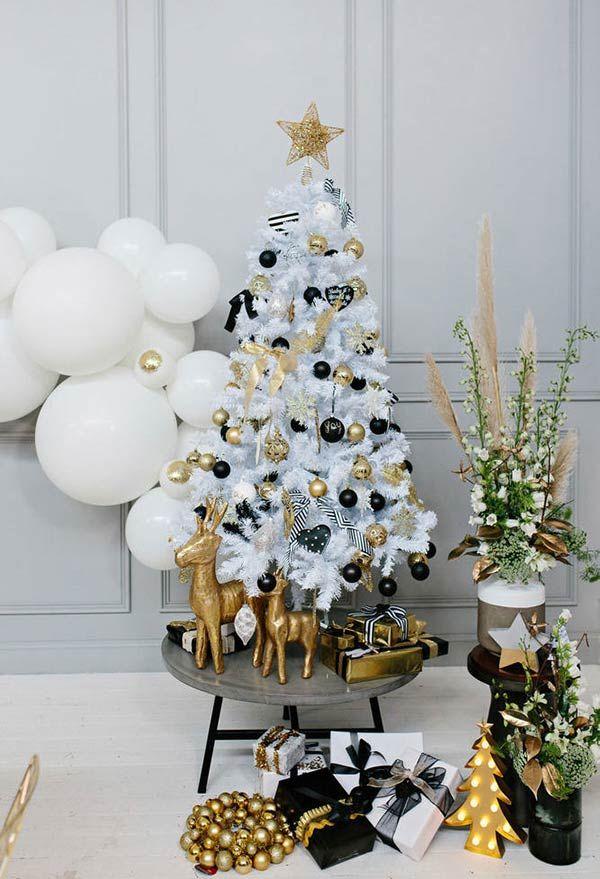 Dourado E Preto Numa Decoracao Glam Arvore De Natal Pequena