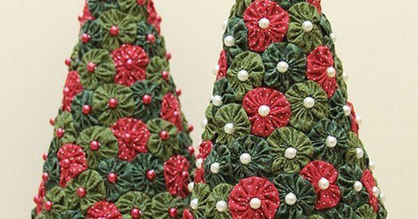DetalleLogia: Arboles de Navidad - DIY con telas, cojines, botones, perchas... | Patchwork | Pinterest | Navidad, DIY and crafts and Html