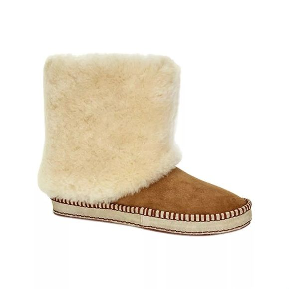 099cef0790a Nwt ugg kestrel boots Brand new in box I am selling for a store and ...