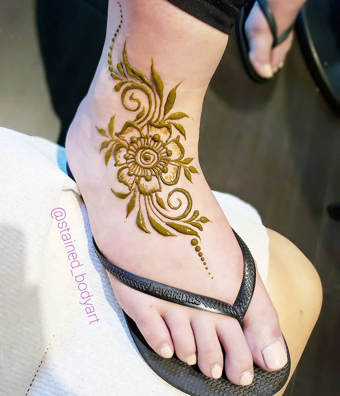 Simple Henna Design For The Foot Henna Designs Feet Mehndi