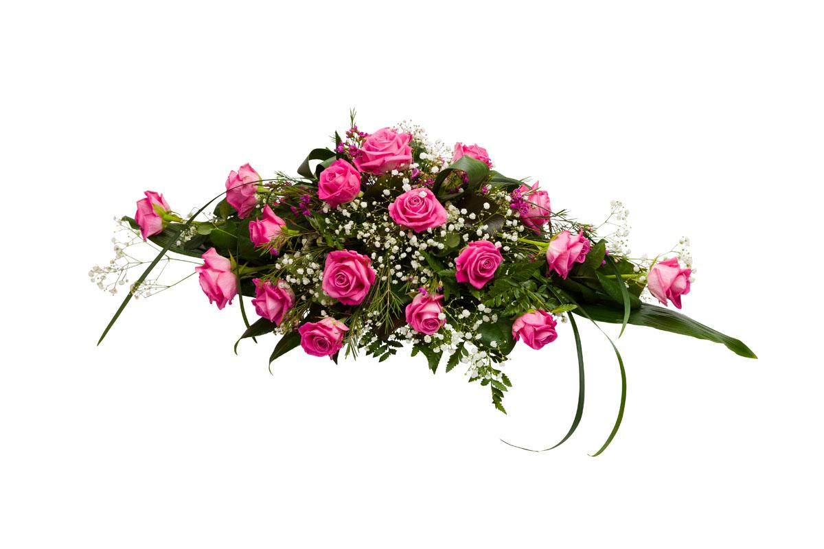 Malli No 5 - Hautaustoimisto Bieder. Kuvan arkkulaitteessa on pinkkiä aqua-ruusua, valkoista harsokukkaa ja pinkkiä vahakukkaa, sekä koristevihreää. Hautavihkossa lisäksi koristenauha. Arkkulaitteen hinta on 160 € toimitettuna siunaustilaisuuteen.