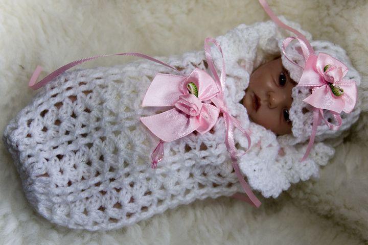 Crochet Baby Cocoon Patterns Free | Boboletta Cocoon Crochet Sweater ...