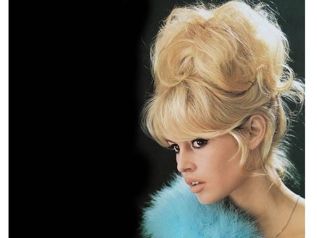 Throughout the 70's and 80's, Brigitte Bardot was never without a cat-eye flick- find out how you can achieve the look over on Grazia- http://lifestyle.one/grazia/hair-beauty/hair/brigitte-bardot-style/