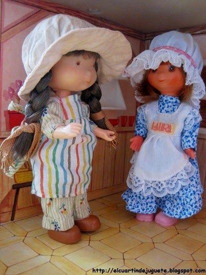 La muñeca Laura. Todavía tengo la del vestido azul.