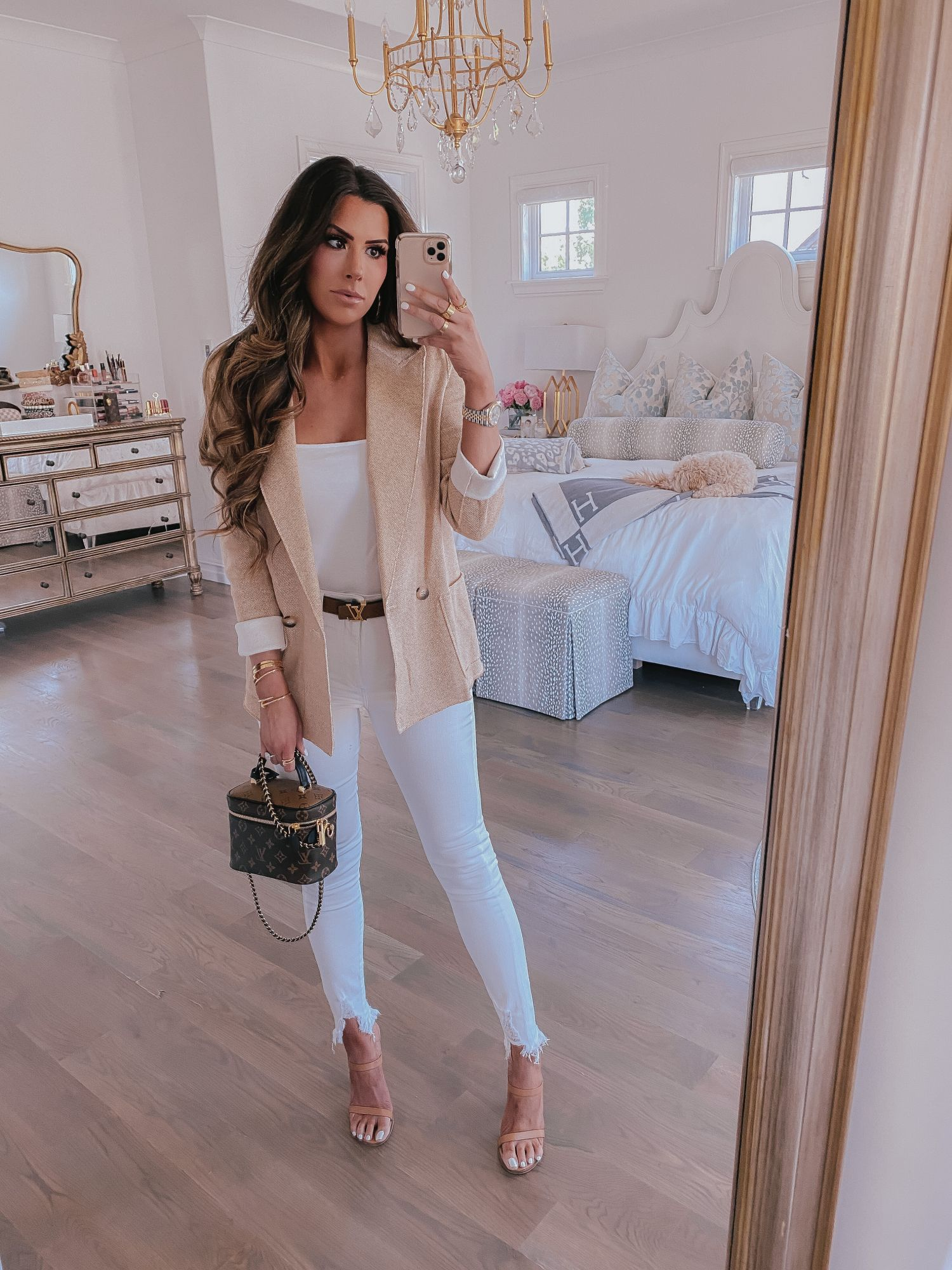 Spring Fashion Outfit Ideas 2020 Pinterest White Jean Outfit Idea Spring 2020 Louis Vuitton Vanity Bag Pm In 2020 Outfits White Jeans Outfit Spring Fashion Outfits