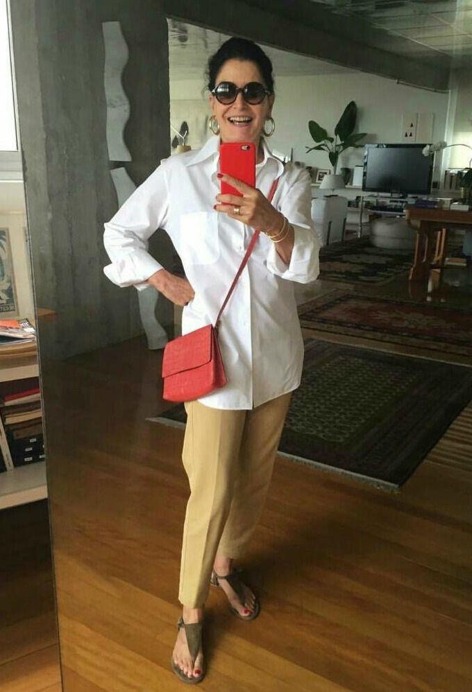 Gloria Kalil é ícone de moda brasileira e dá um show em looks chics e  simples 6b16c050efe