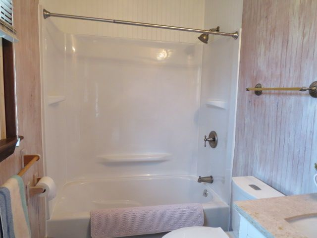 something like this, but I want One-piece fiberglass tub and shower ...