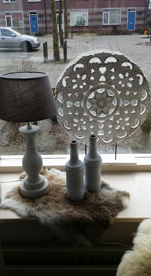 Lamp Op Dressoir Leuke Decoratie In Vensterbank | Ðecoratie Ideetjes In