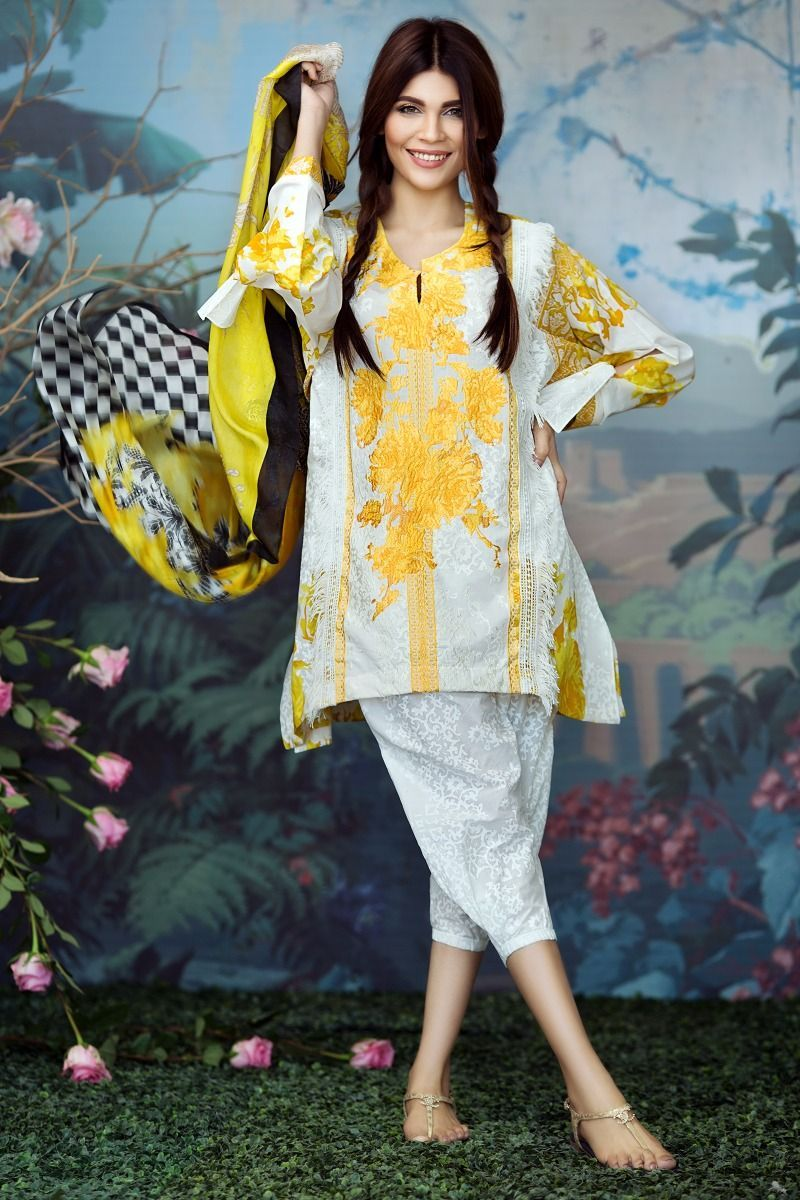 Sana-Safinaz-Lawn-2017-Unstitched-Collection-With-Prices-4.jpg (800 ...