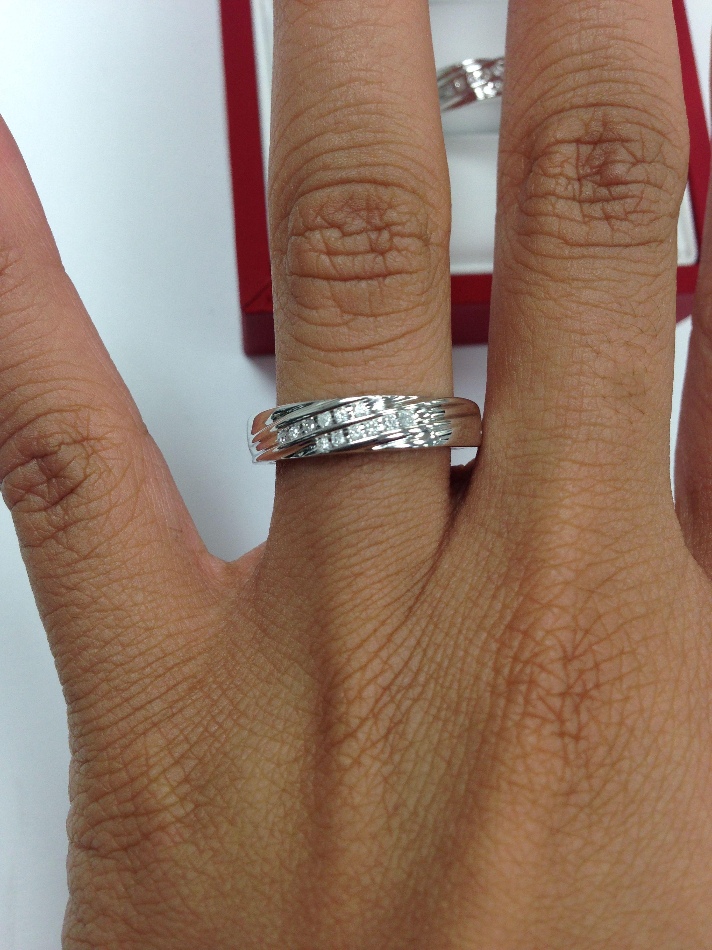 Rings on Hand Mens Wedding Band BT519WM Rings, Gold