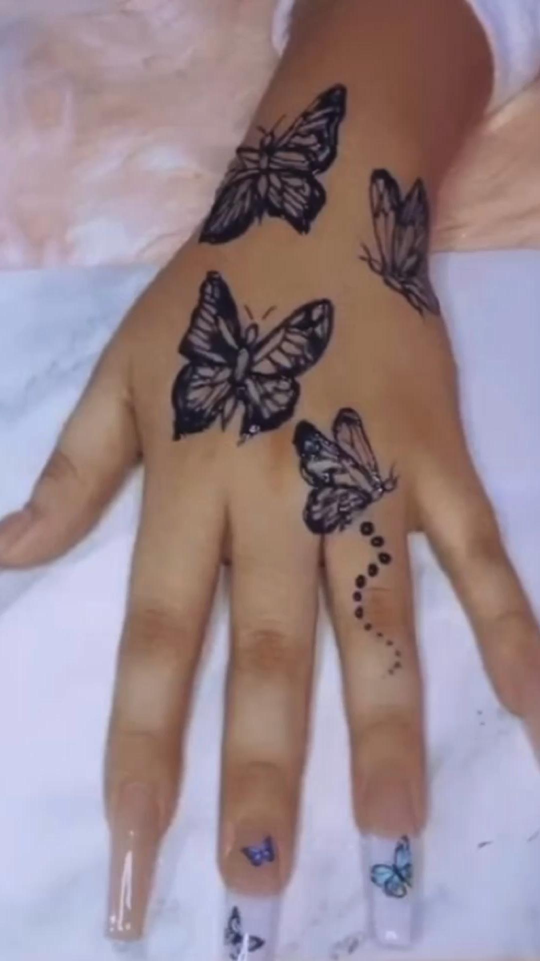 Nails & tattoo ideas <3