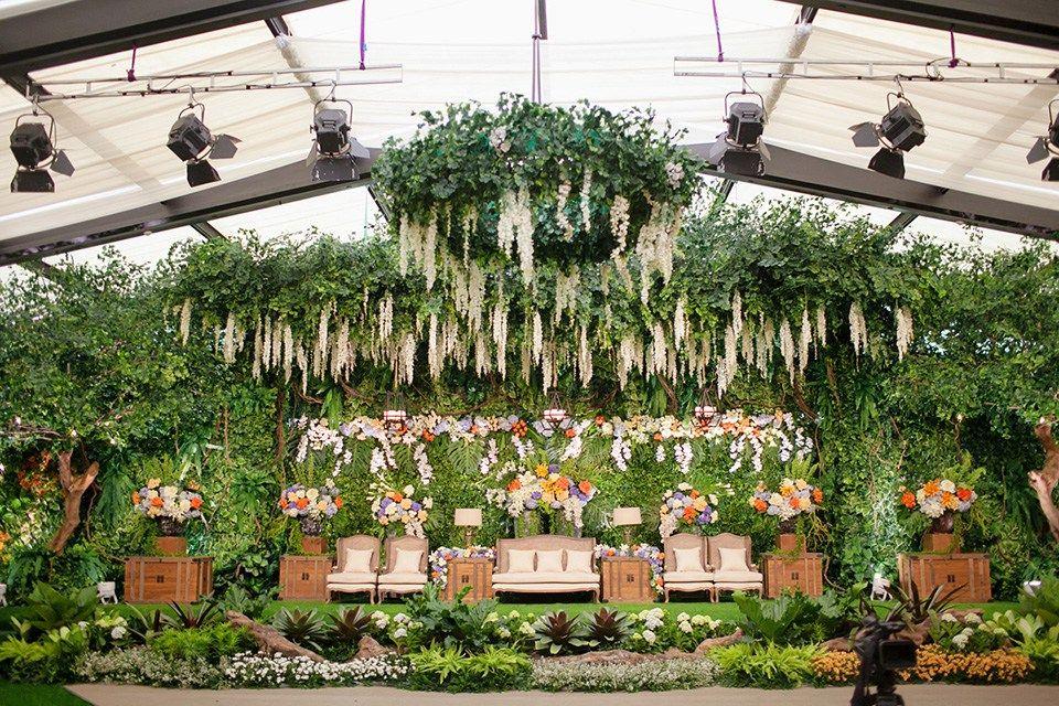 Pernikahan dengan tema indoor garden di hotel dharmawangsa mono the most varied wedding decorations for your choice weeding 10 junglespirit Image collections