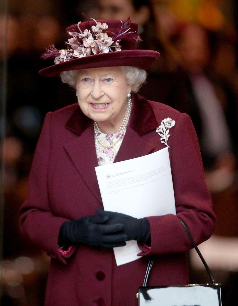 Queen Elizabeth Ii Photostream Her Majesty The Queen Queen Elizabeth Ii Queen Elizabeth [ 1024 x 796 Pixel ]