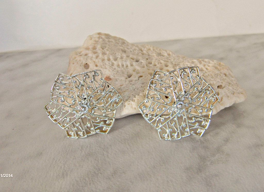 Sarah Coventry Lady of Spain Earrings Clip on     Lacy, Spiderweb Design by GemstoneCowboy on Etsy