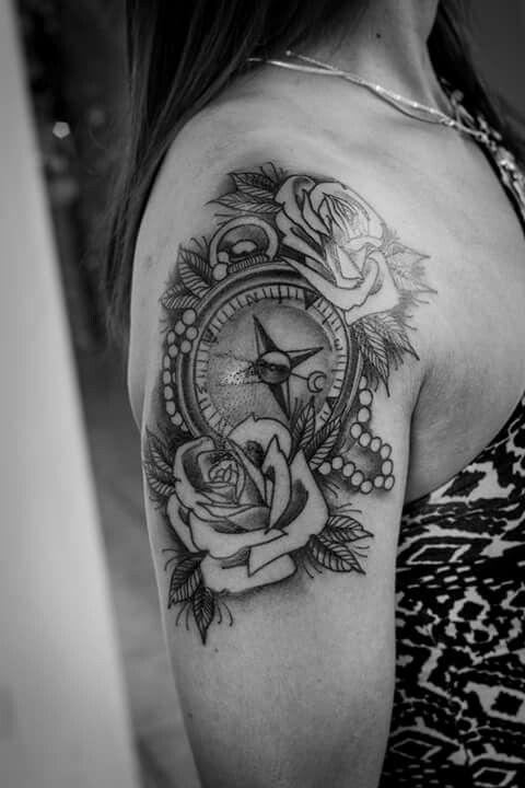 Tattoo flower rose bussola femininotattoo tattoo for Tatoo bussola