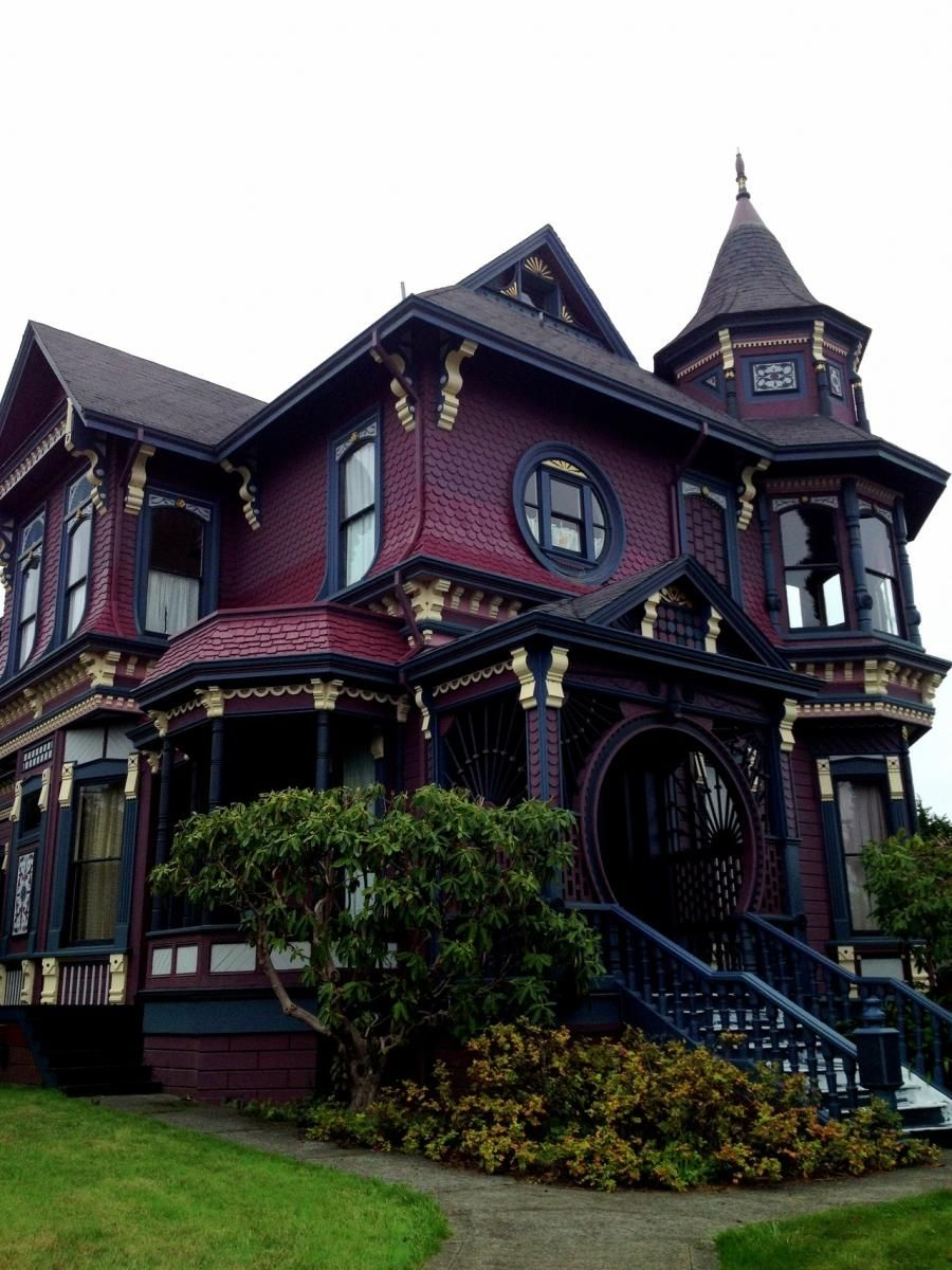 Victorian House In Arcata Ca Victorian Homes Victorian House Colors House Styles