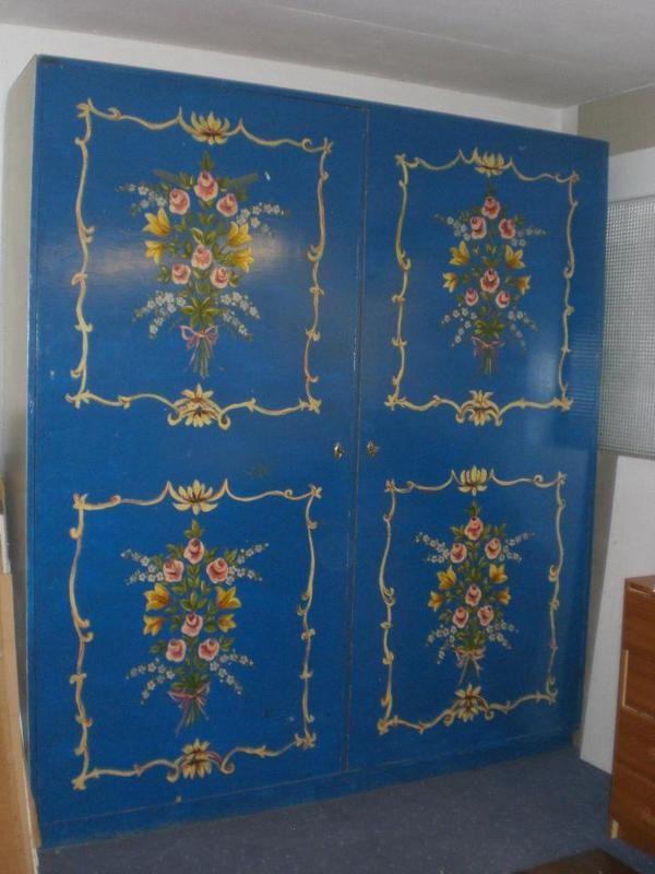 Bemalter Bauernschrank Und Stilmöbel Bauernmöbel Aus München