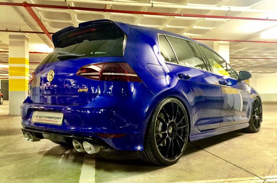 Apr R In Blue With Oz 20 S With Images Volkswagen Golf R