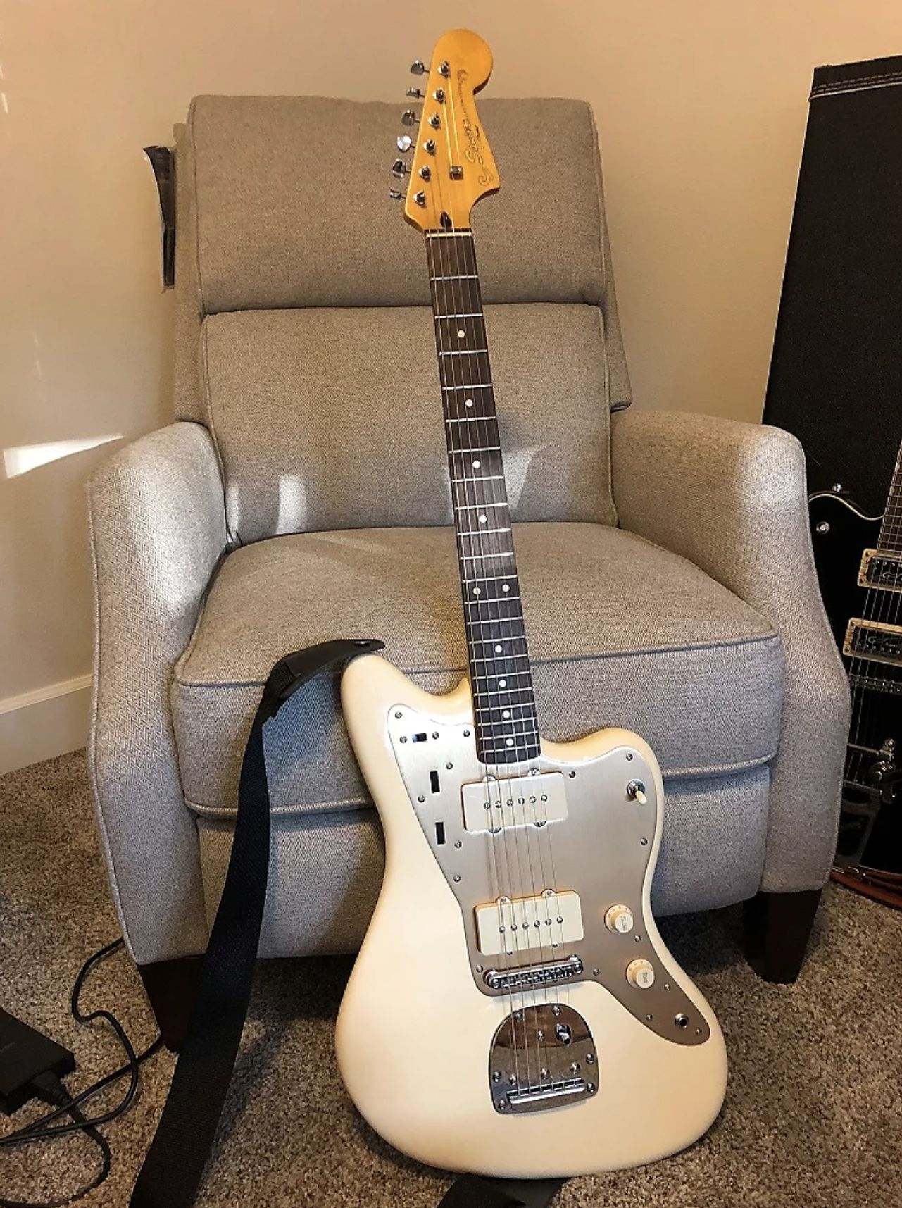 trusty j mascis jazzmaster but photographed in a different light so explore jazzmaster wiring jazzmaster build and more fender jaguar [ 1281 x 1715 Pixel ]