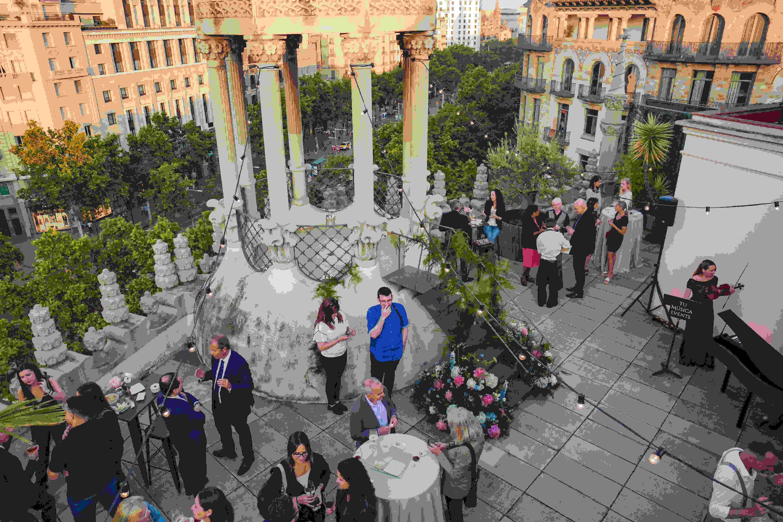Sabado El Mejor Dia Para El Terraceo Eventos Espectaculares En La Terraza De The Penthouse Espacios Venue Venues Spa Eventos Terrazas Y Barcelona