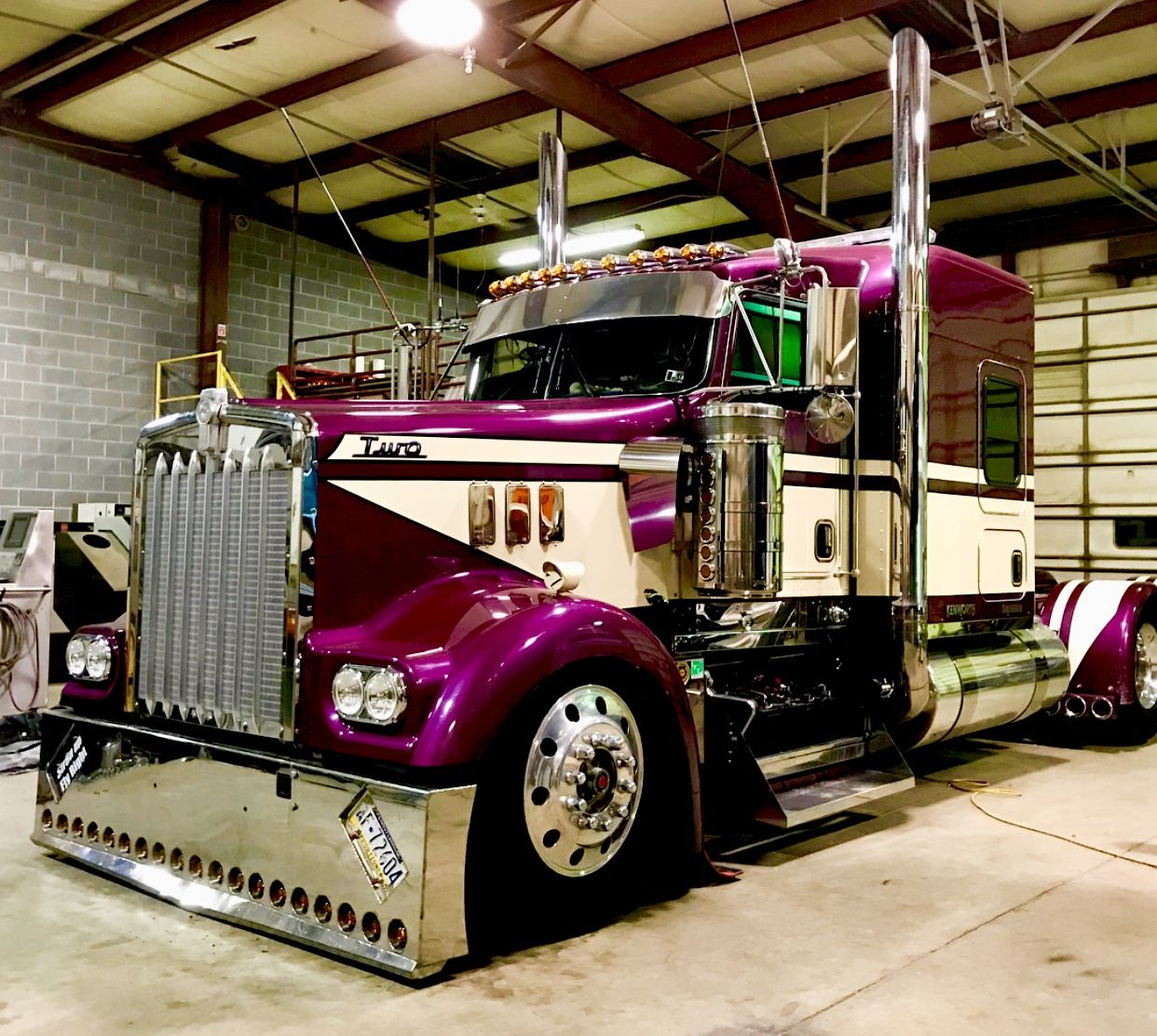 Pin by johnny mccollum on big rig with big custom wheels pinterest pin by johnny mccollum on big rig with big custom wheels pinterest rigs biggest truck and semi trucks publicscrutiny Images