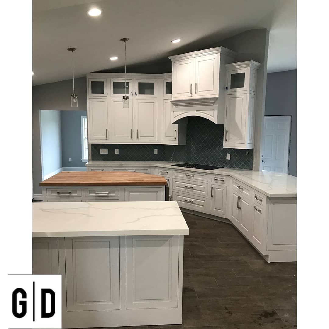 Guilan Dekhoor Woodcraft Kitchencabinets Cabinet Cabinets Cabinetdesign B In 2020 Cabinet Design Kitchen Cabinets Cabinet