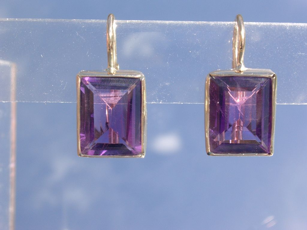 14kt Yellow Gold Square Amethyst Dangle Earrings From Heart Of Jewels At Rubylane