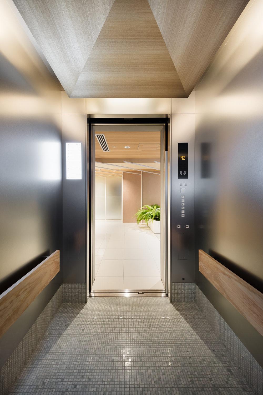Newoman Sinato ガラスデザイン デザイン エレベーター