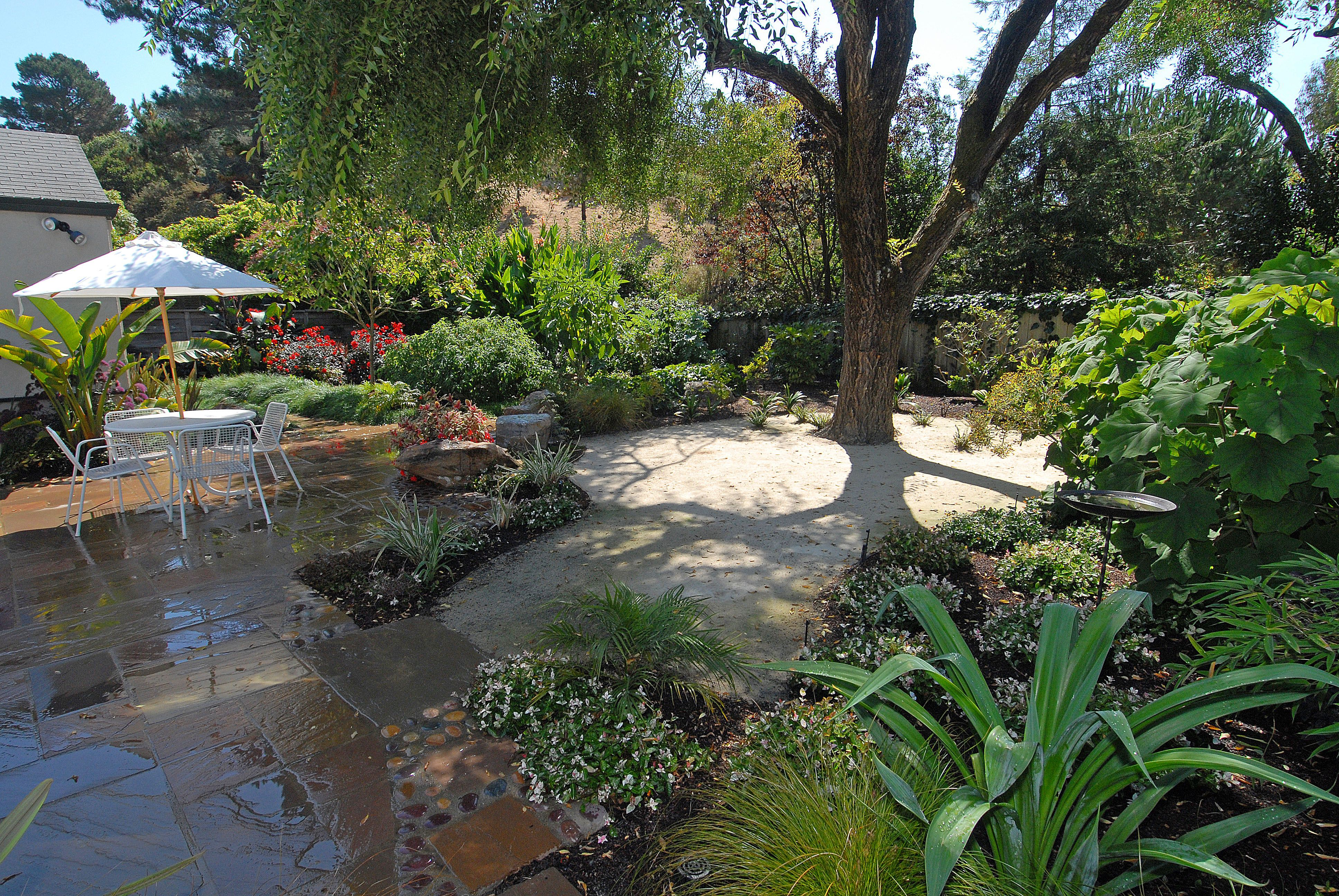 Patios hard and soft trees a tree and patio ideas for Soft landscaping ideas