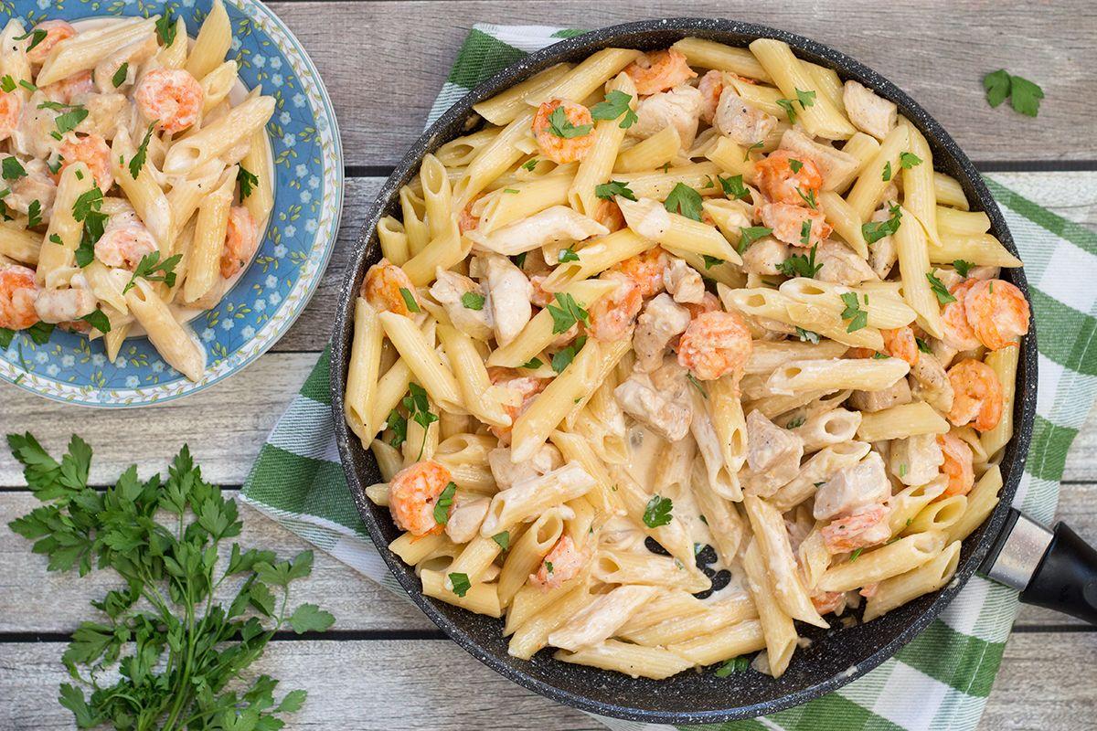 The Best Chicken And Shrimp Alfredo Pasta Recipe Pasta Recipes Alfredo Chicken Alfredo Recipes Chicken And Shrimp Recipes