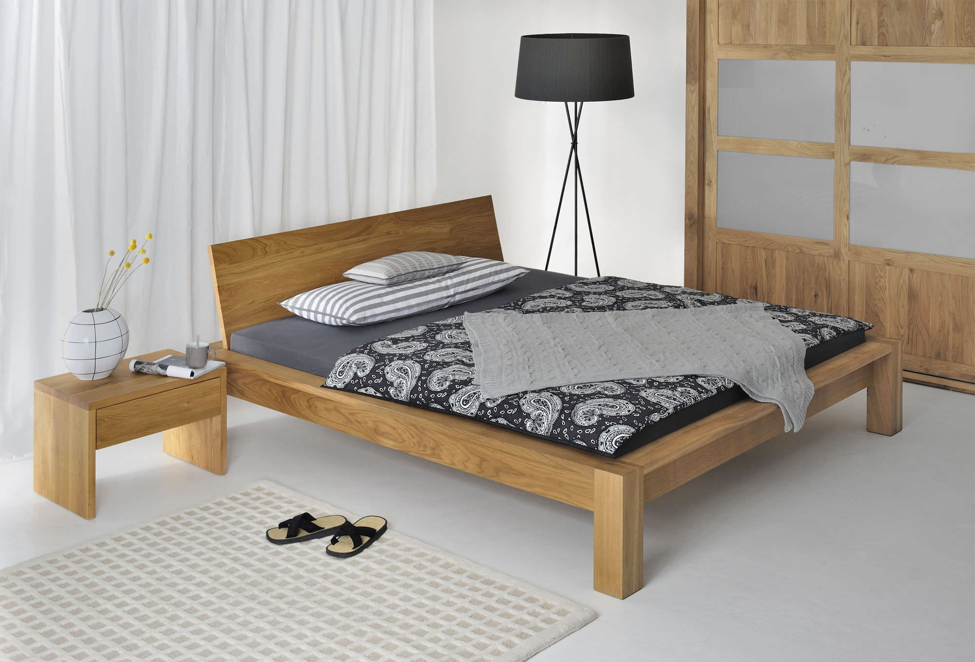 simple double bed designs in wood - HD2000×1358