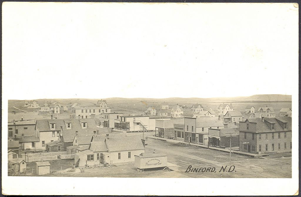 Binford Nd Wonderful View Of Downtown Homes And Businesses On The Prarie Including Photographer Ap Holands Business Rppc Postmarked 1913 North Dakota Old Photos Paris Skyline