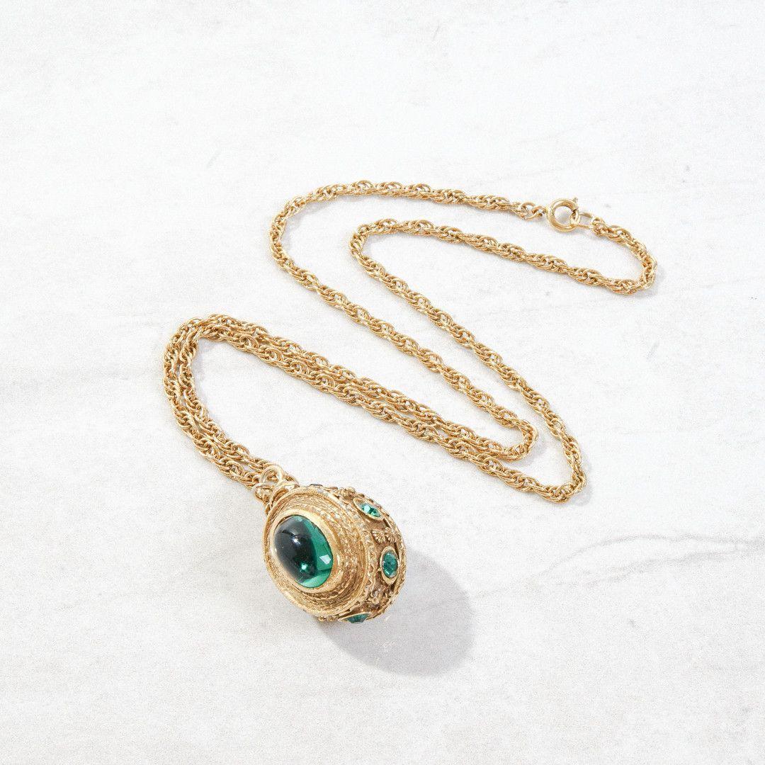 Green Jewel Pendant