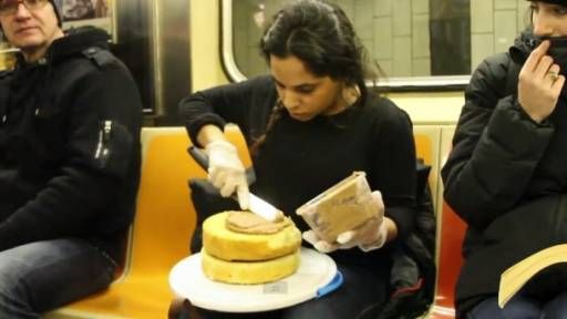 Woman serves cake on the subway - truly endearing
