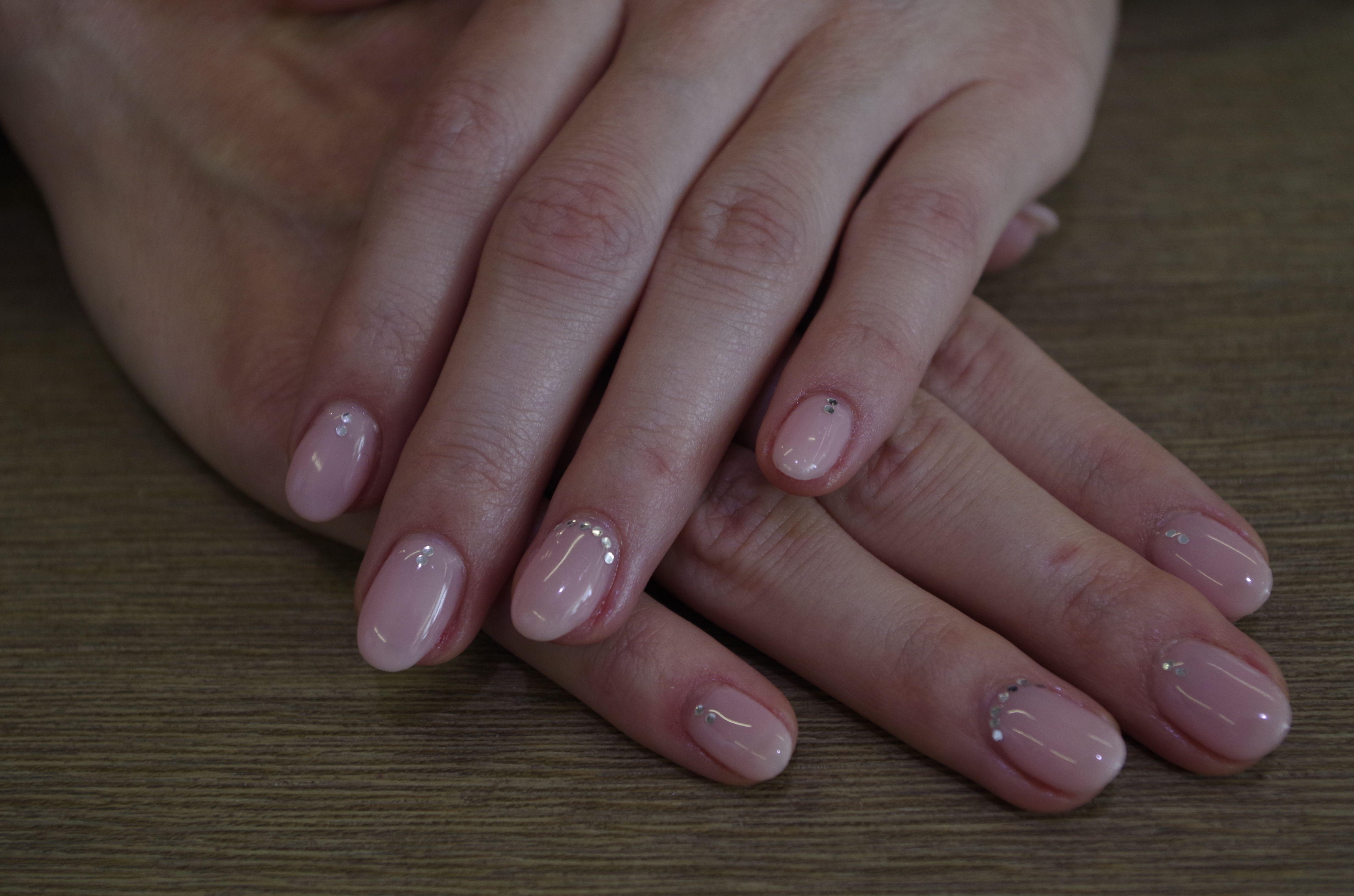 Ricostruzione unghie gel, colore rosa effetto naturale ...