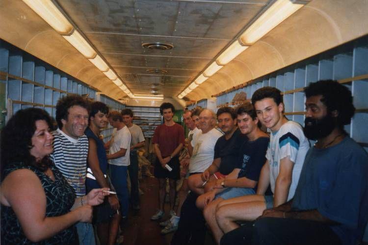 photo de classe ambulant postal paris caen de 1992 la. Black Bedroom Furniture Sets. Home Design Ideas