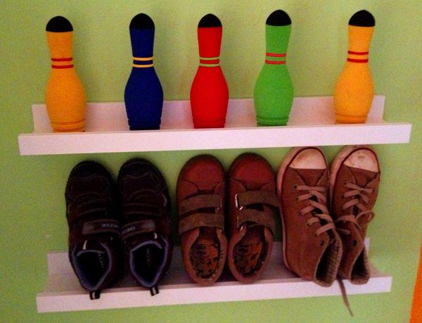 Le piccole mensole per quadri Ikea Ribba oltre ad essere