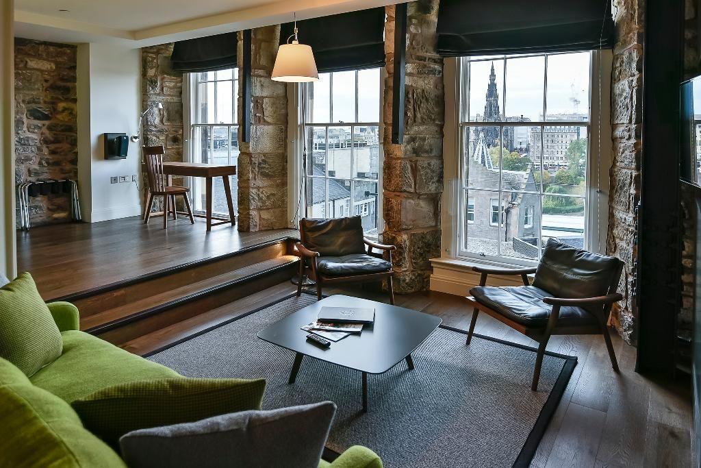 OLD TOWN CHAMBERS (Edinburgh) - Hotel Reviews, Photos ...