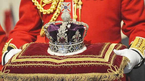 Banorama Blog Queen Elizabeth 1 Crown Virtual Hairstyles Queen Elizabeth Medium Length Hair Styles