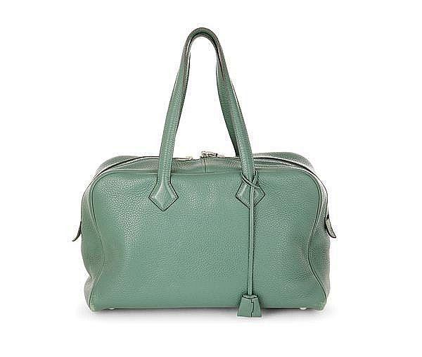 Tajan - Tajan Live Auctions Tajan - Tajan Live Auctions June 29. Luxury and vintage auction Hermes Handbag