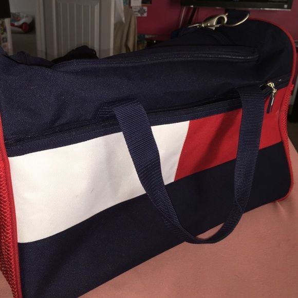 Tommy Hilfiger Duffel Bag Nice , durable , strong. Can fit a lot of clothes Bags Travel Bags