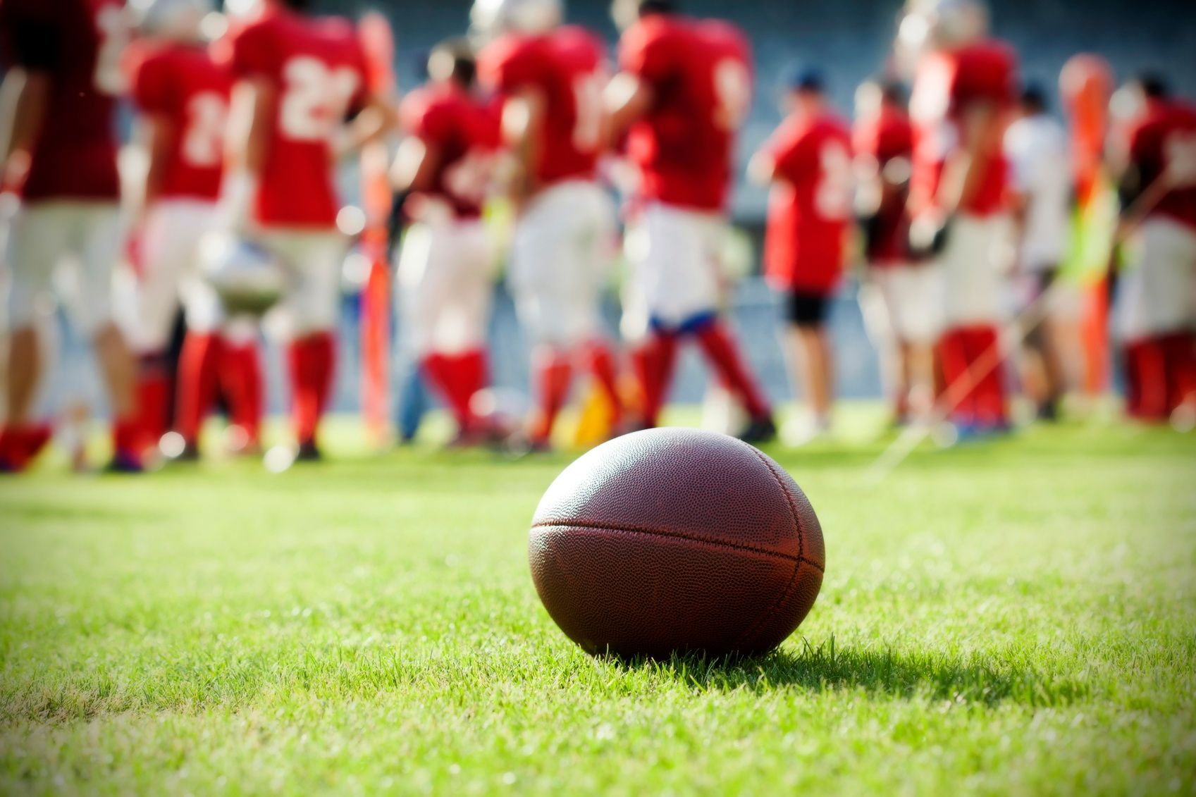 How to recognize a concussion on the field football
