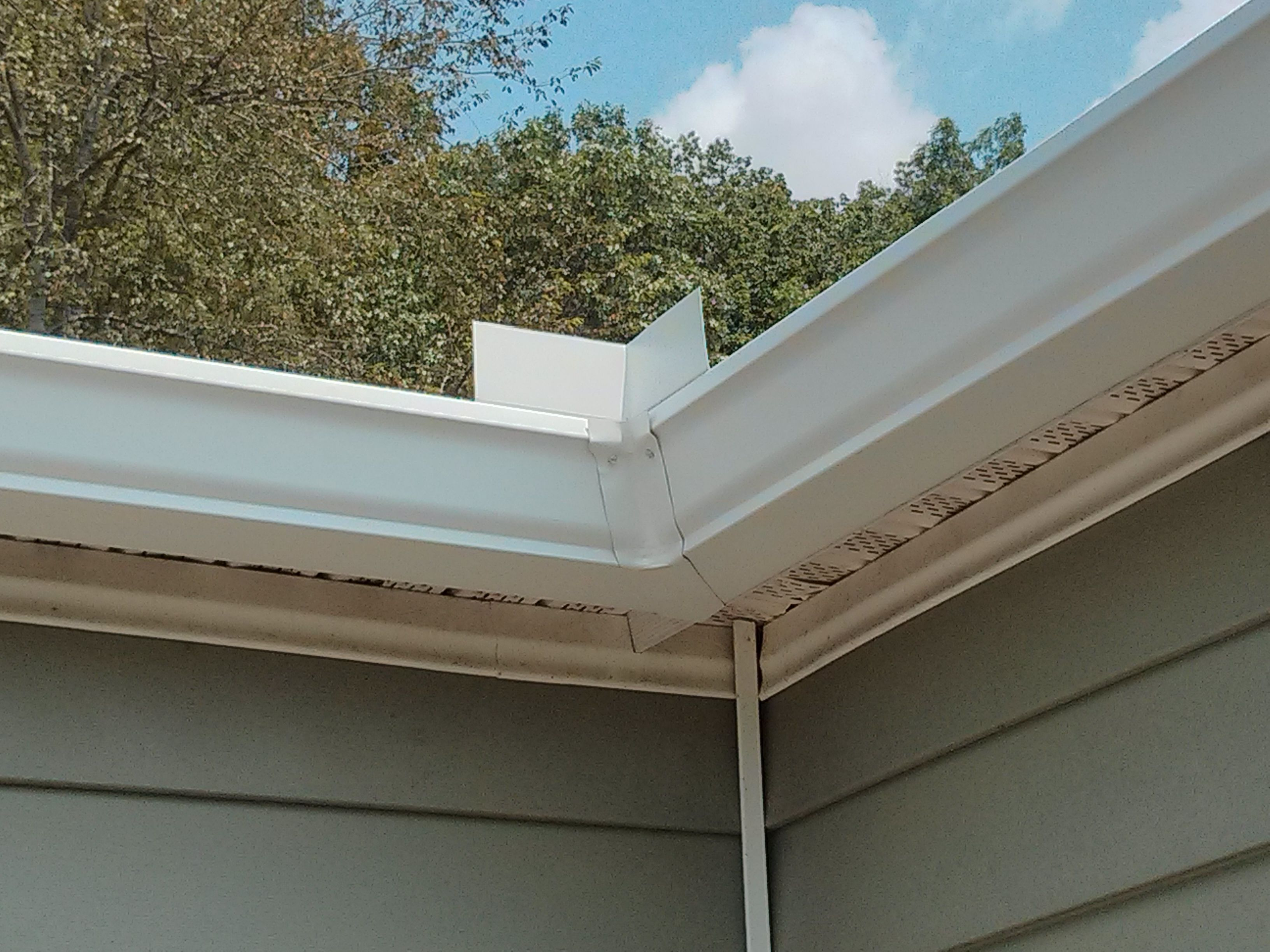 "Inside corner for 6"" Seamless Gutters Gutters"