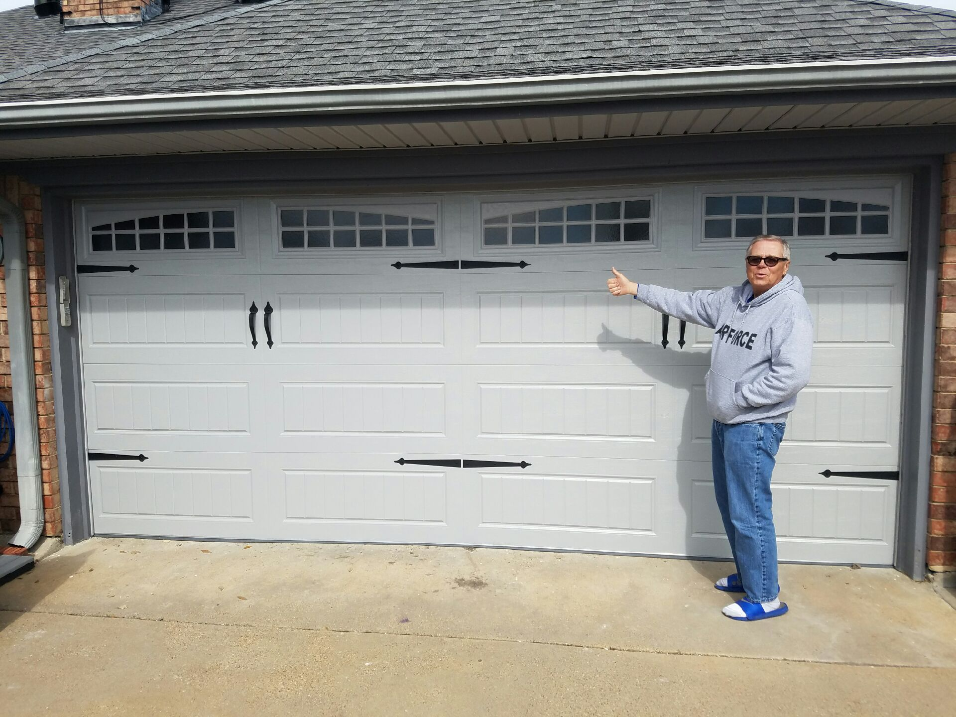 With More Than 26 Years Of Experience Complete Overhead Door Can