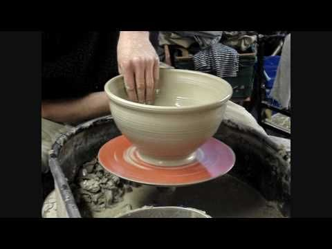 Throwing Making A Big Clay Pottery Mixing Bowl On The Potters Wheel Demo Pottery Techniques Clay Pottery Pottery