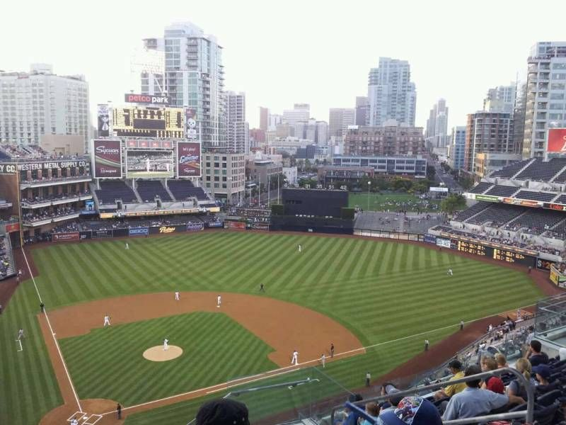 Petco Park Section 305 Row 17 Seat 16 San Diego Padres Vs Pittsburgh Pirates Shared By Sportsman24 Petco Park San Diego Stadium Architecture