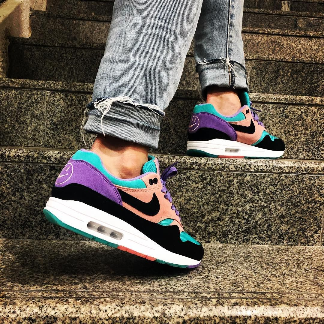 have a nike day air max 1 canada