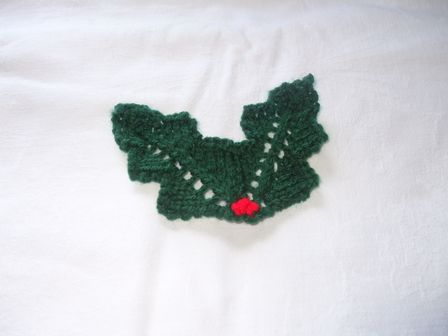 Knitted Holly Free Pattern - Lesley Arnold-Hopkins   Cards ...