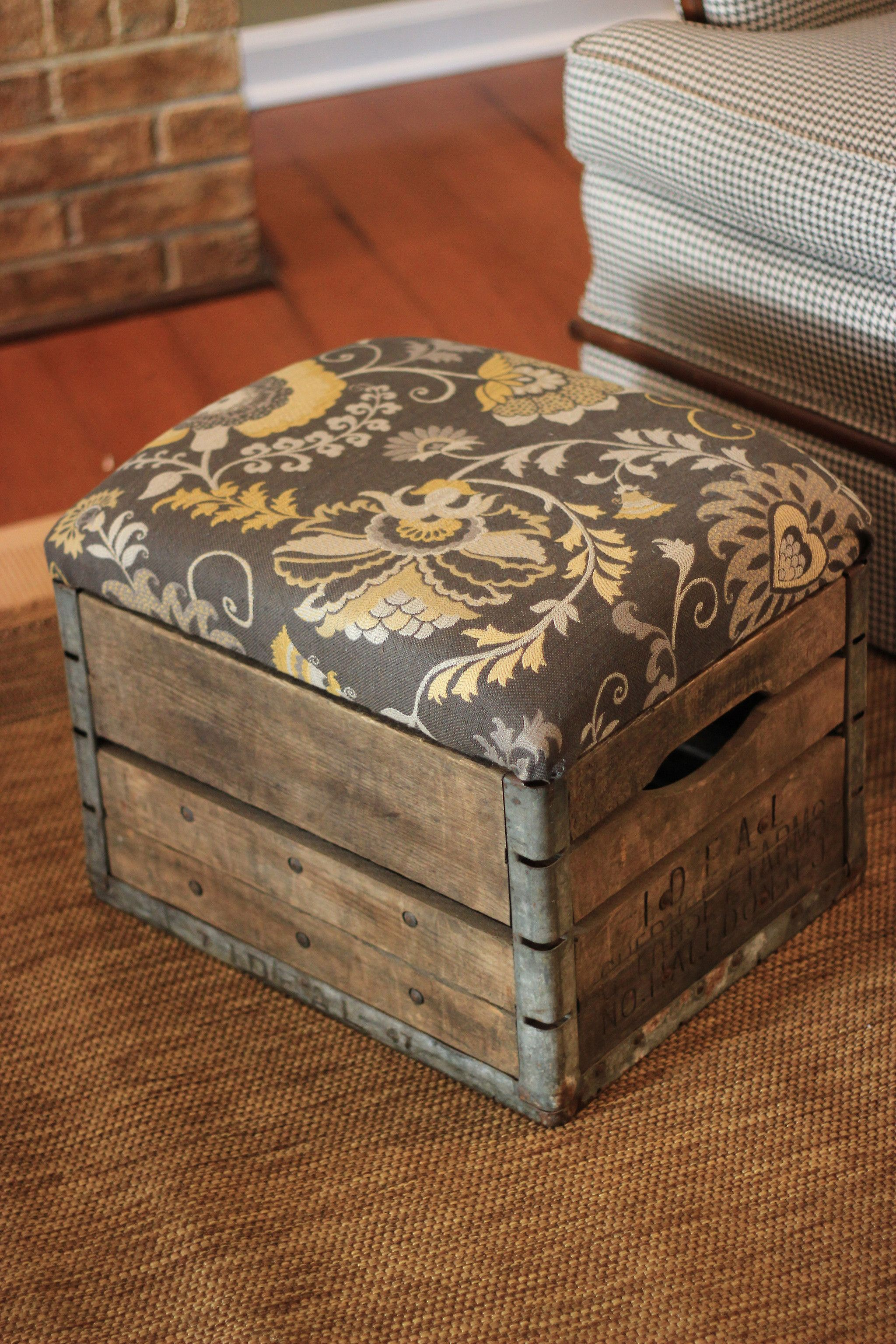 How to Refinish Wooden Crates